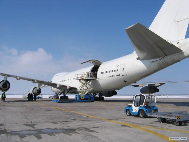 самолет Boeing 747-200F