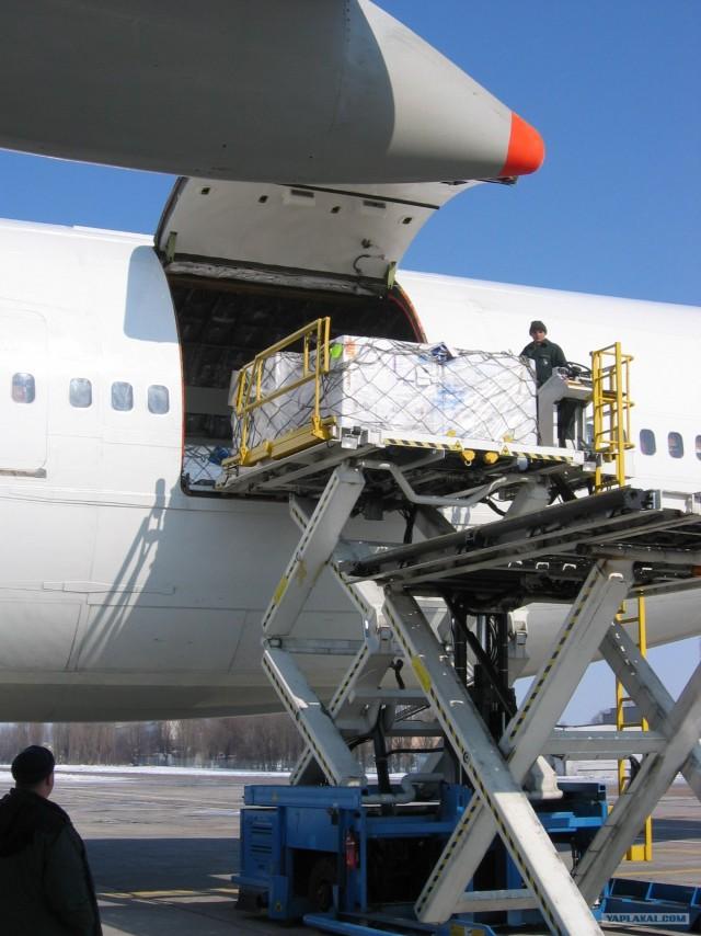 грузовой самолет Boeing 747-200F
